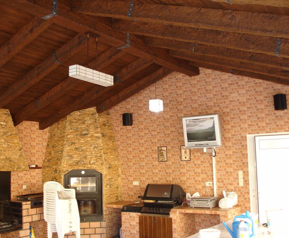 Vigas decorativas imitacion madera de poliuretano y poliestireno fabrica Vigas de madera decorativas