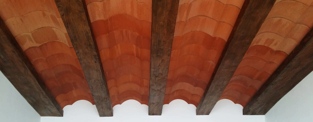 Vigas de poliuretano imitacion a madera a medida - Vigas decorativas de poliuretano ...