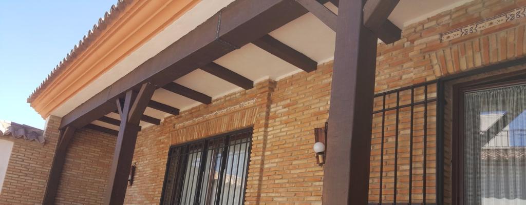Vigas imitacion madera decorativas rusticas de poliuretano for Vigas decorativas huecas
