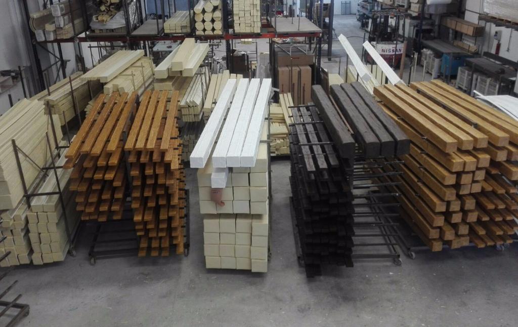 Vigas imitacion madera decorativas rusticas de poliuretano fabrica - Imitacion madera exterior ...