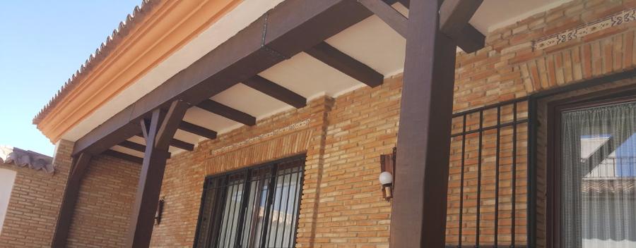 Vigas imitacion madera decorativas rusticas de poliuretano for Vigas de decoracion